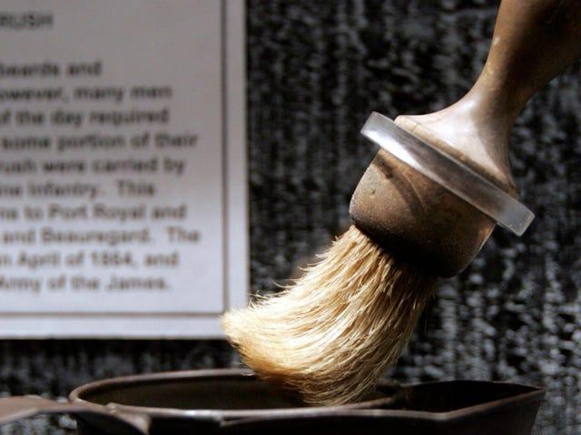 Quei fantasiosi pennelli da barba vecchio stile hanno dato un sacco di ragazzi all'antrace negli anni '20