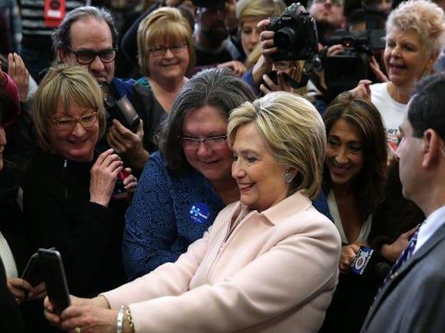 흑인 여권 신장 론자들은 힐러리 클린턴에게 그들의지지를 빚지지 않는다.