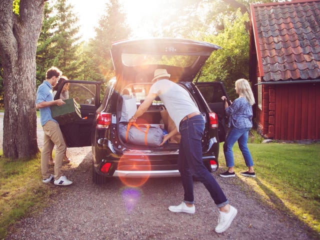 Help Your Kid Heading Off to College With a 'Trunk Party'