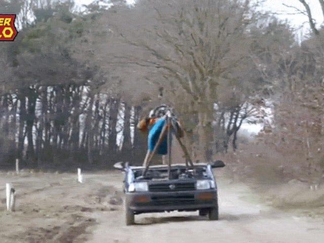 Bonkers ชาวดัตช์ผู้เยี่ยมยอดคนนี้สร้างรถที่คุณขับจากเปลญวน