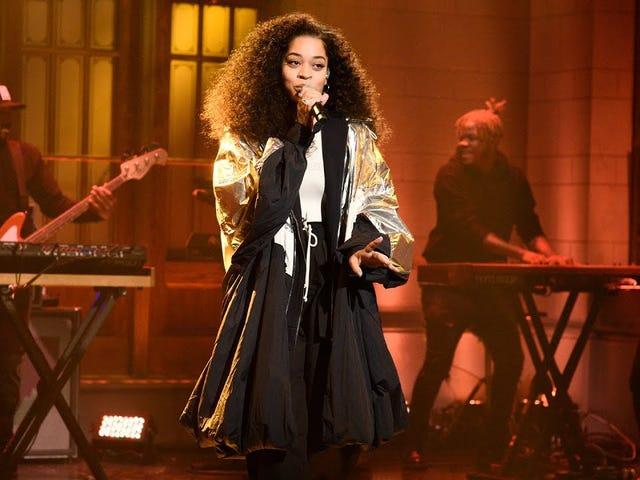 En <i>Saturday Night Live</i> , Ella Mai es Pure &#39;90 B R&amp;B Heartthrob