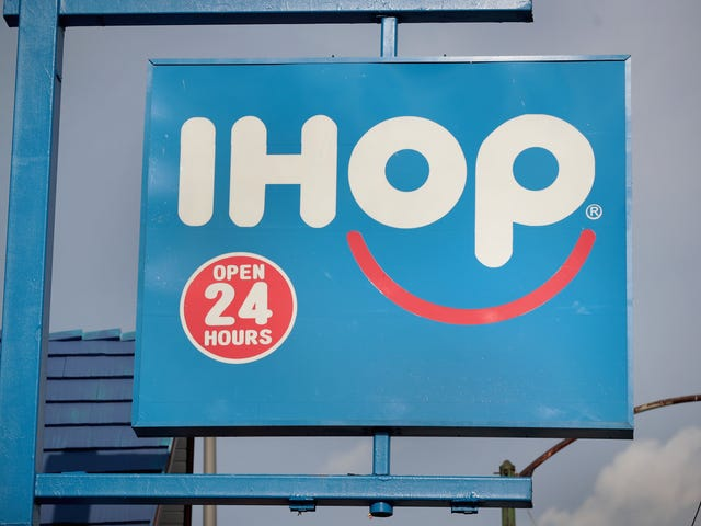 'We're Not Racist': Maine IHOP Manager Suspends Server After She Asks Black Teens to Pay Up Front for Their Meals