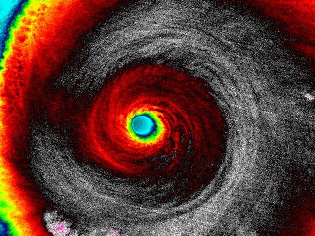 Varför Atlanten orkanen säsongen är lugn medan östra Stilla havet är brusande