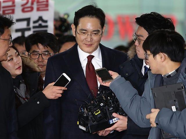Top Samsung Exec Faces Arrest i massiv korruptionskandal