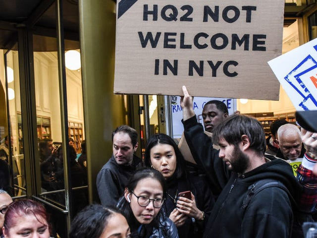 Amazon Abandons HQ2 Campus in New York