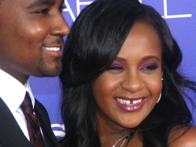 Bobbi Kristina Brown in Medically Induced Coma