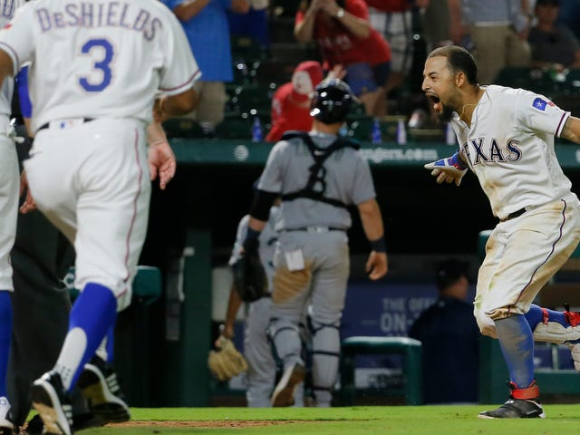 Rougned Odor Slaps Walk-Off Dinger, fissa giù Edwin Diaz