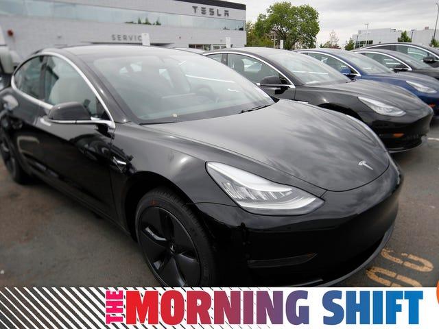 Teslas försvårande produktion men att vara försiktig med löften