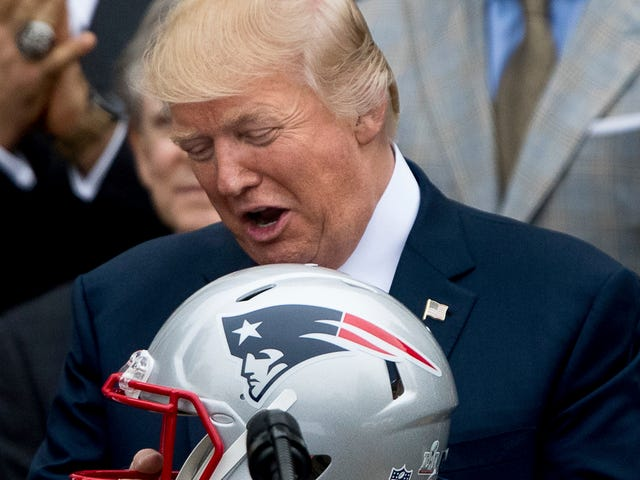 Report: Donald Trump Spent Quality Time Last Week Talking Football With Bill Belichick
