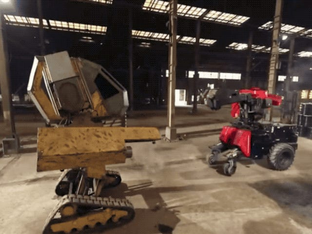 Golpes de hierro y disparos: así fue el primer combate real entre robots gigantes