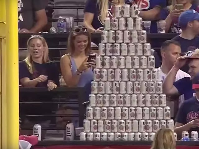 "MLB over Kolossale bierpiramide: ""Wow"""