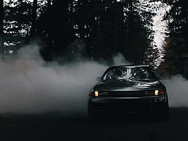 This Monster Burnout Is The Perfect Send-Off For A Beloved Skyline GT-R