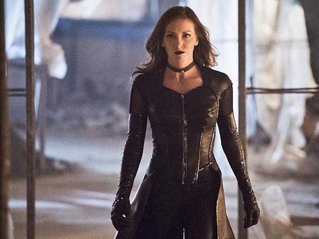 Кеті Кэсіді повертається до Arrow - але не як чорна канарка