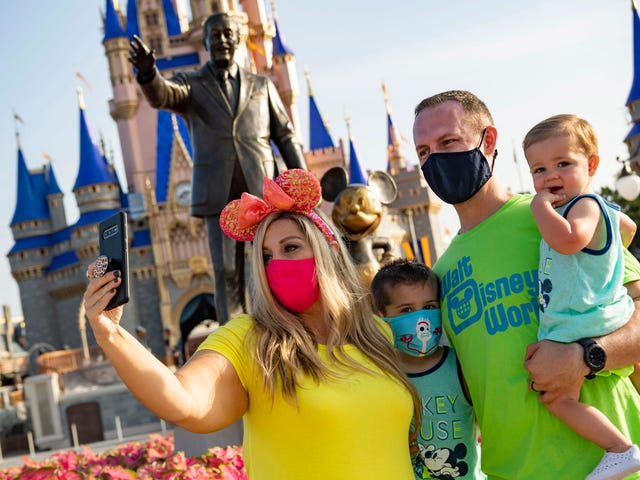 """Disney adds """"Extra Magic"""" park hours for the holidays, which sounds extra bad"""