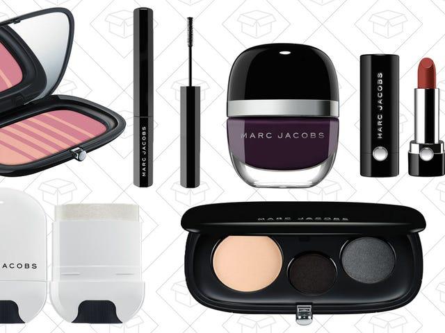 Obtenez Designer avec votre maquillage et profitez de 20% de réduction (et livraison gratuite) chez Marc Jacobs Beauty