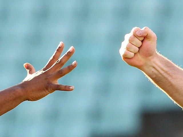 足球参考暂停三周使用岩纸剪刀而不是硬币翻转