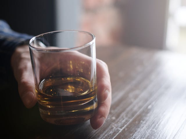 """<a href=https://thetakeout.com/awesome-new-report-says-no-alcohol-consumption-is-safe-1828627801&xid=25657,15700021,15700186,15700191,15700256,15700259,15700262 data-id="""""""" onclick=""""window.ga('send', 'event', 'Permalink page click', 'Permalink page click - post header', 'standard');"""">Awesome: Νέα έκθεση λέει ότι η κατανάλωση αλκοόλ δεν είναι ασφαλής</a>"""