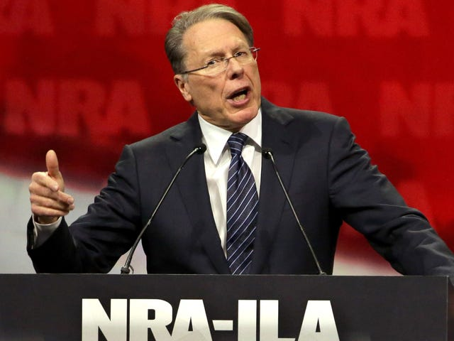 Symantec Cuts Slips med NRA midt i Backlash Over School Shootings