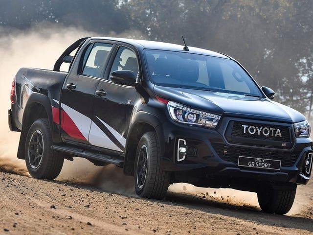 Giant Emblem Grille på Toyota Hilux GR Sport er bare den beste