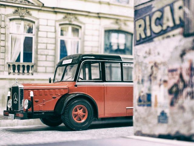 Teutonic Trucking Tuesday: Ein Riesen Autobus!