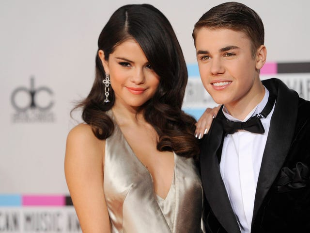 Justin Bieber Reportedly Thrilled That Selena Gomez Is Single Cause He Wants to Be Her Boyfriend Again