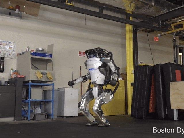 Boston Dynamics mengajarkan robotnya untuk parkour dan setiap video lebih mengerikan