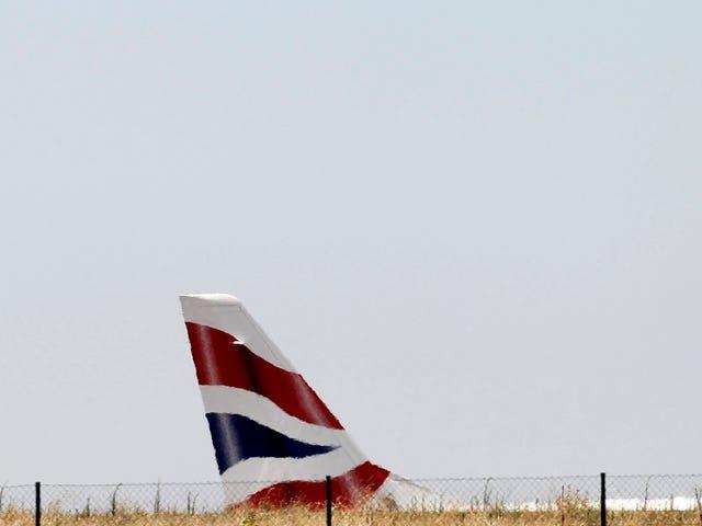 जर्मनी जा रहा एक विमान स्कॉटलैंड में गलती से लैंड कर गया