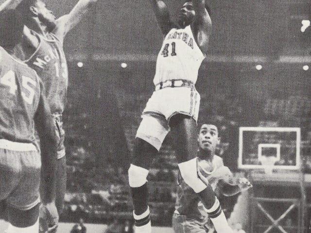 50 साल पहले, Washington Post ने डीसी बास्केटबॉल इतिहास में सबसे बड़े विवादों में से एक शुरू किया था