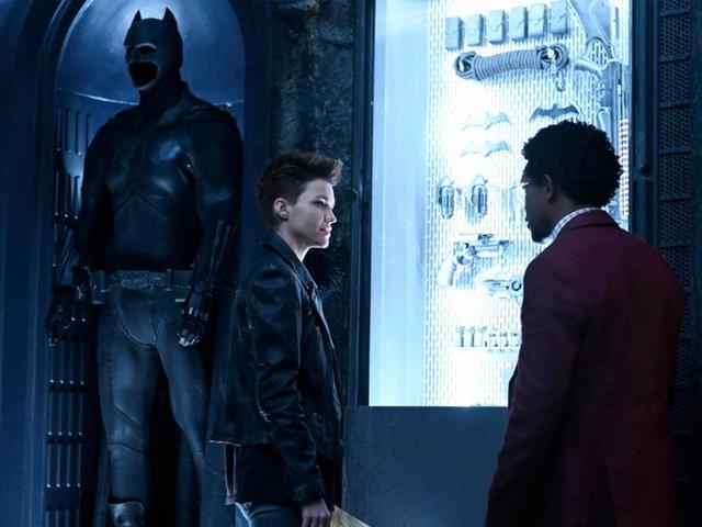 CW ontmaskert Batwoman's krachtige trailer en eerste details van Batwoman's