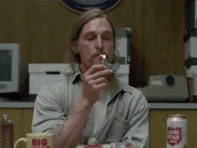 Bare hvor mange sigaretter har Matthew McConaughey røykt i <i>True Detective</i> ?
