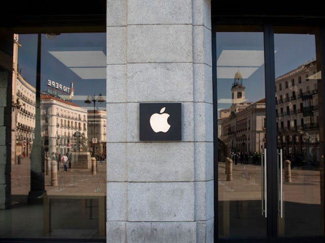 Apple Closes All Stores Outside China to Prevent Spread of Coronavirus