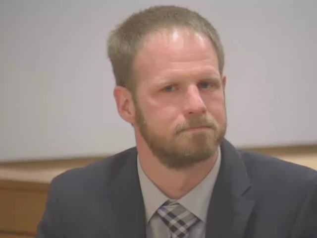 Man Who Strangled Woman Unconscious Won't Serve Jail Time Because Judge Thinks It Won't Happen Again