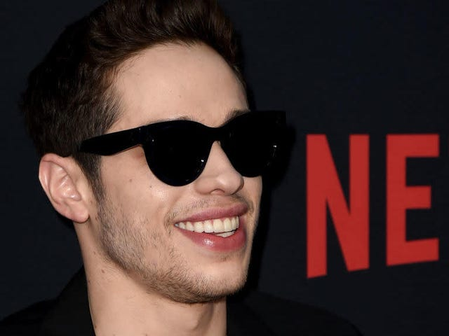 Pete Davidson i Margaret Qualley Are Official Festival Festival
