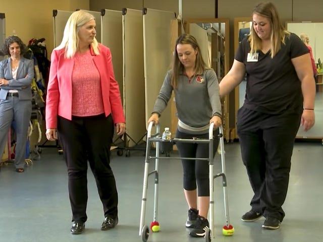 Esta nueva terapia ha permitido que dos personas paralíticas vuelvan a caminar