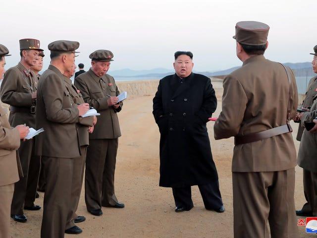 """Corea del Norte anuncia que Kim Jong-un está supervisando el desarrollo de nuevo armamento """"ultramoderno"""""""