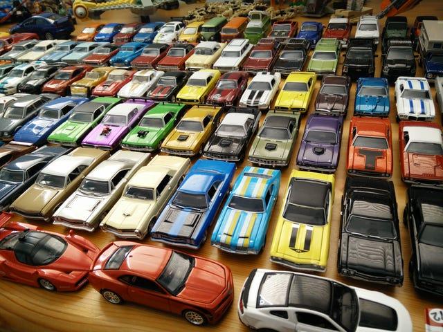खिलौना कारों के साथ उग आया