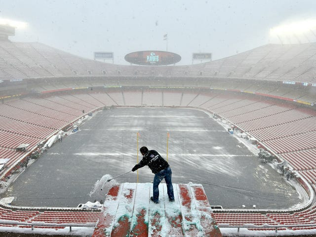 The Polar Vortex Could Bring Record Cold to This Weekend's Chiefs-Patriots Championship Game