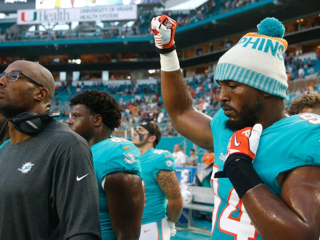 Miami Police Union Throws Hissy Fit Over Dolphins Players' Peaceful Demonstrations