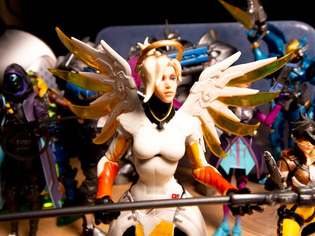 Hasbro&#39;s Made Some Some Fine <i>Overwatch</i> Action Figures, Except For Reaper