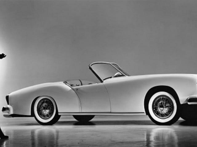 アメリカ初のグラスファイバースポーツカーは美しい失敗でした