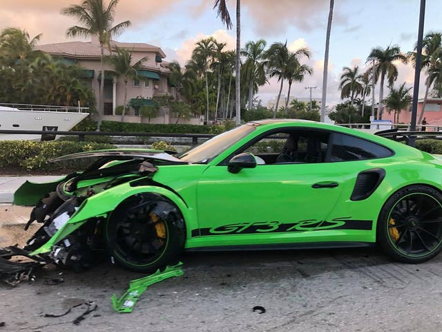 Busted up 991 GT3 RS