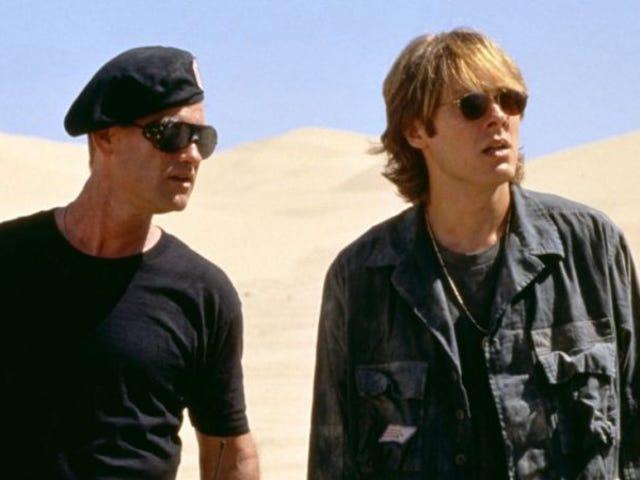 Ang pagpili ng mga artikulo ngayong araw mula sa komunidad na pinupuntahan ng reader ng Kotaku: Isang Stargate Retrospective: Stargate