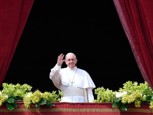 """Pave Francis giver ikke længere mulighed for """"pontifisk hemmelighed"""" i tilfælde af seksuelle overgreb"""