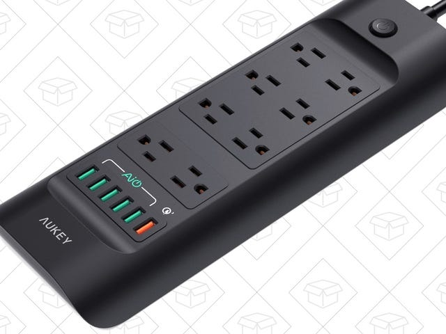 Plug Up to 14 Things Into This Quick Charge 3.0-Equipped Power Strip