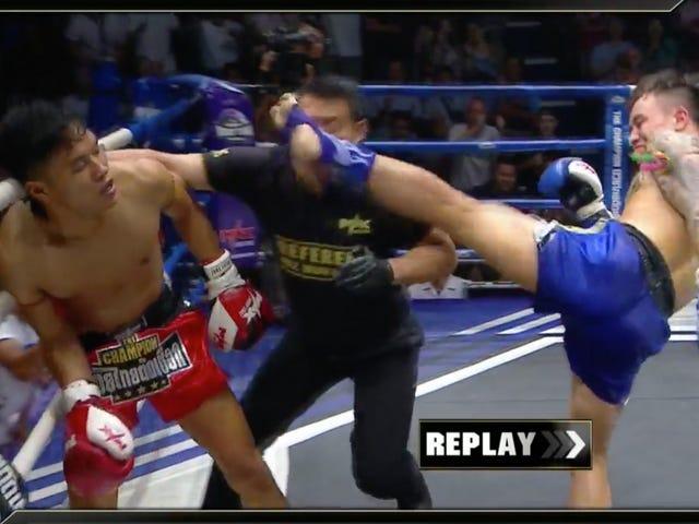 Un combattant muay thai assomme son adversaire et son arbitre à la même époque