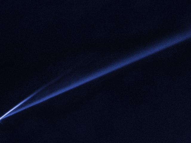 Un astéroïde filant follement pris au piège de l'autodestruction