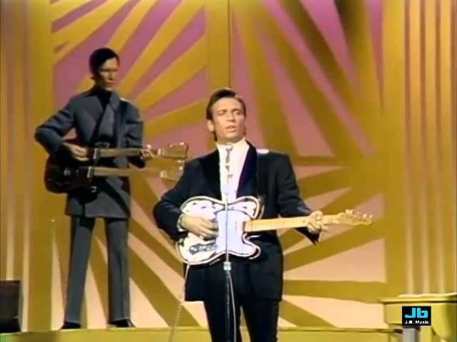 Waylon Jennings and Johnny Cash (Bacon powder)