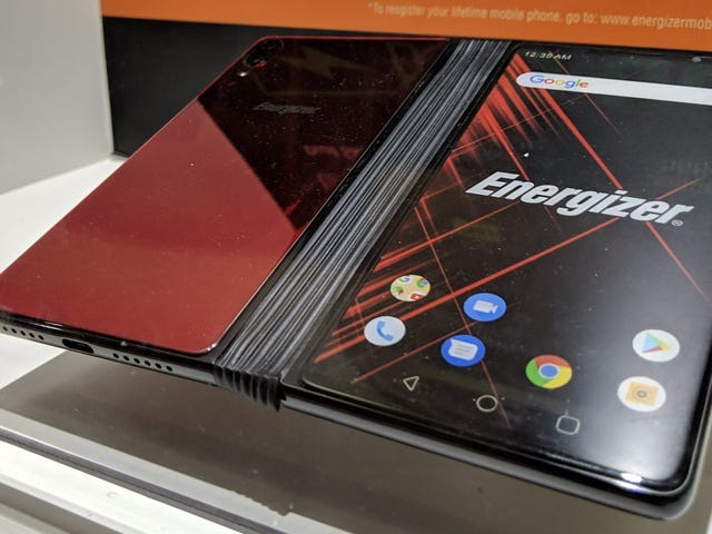 El smartphone plegable de Energizer para un par de teléfonos unidos por un acordeón de goma