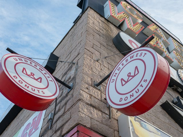 There's A Hidden Gourmet Donut Shop In A New York City Car Wash