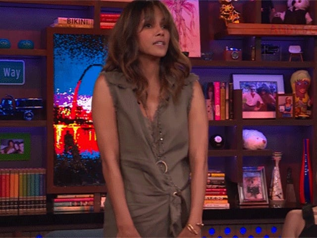 The Mechanics of Halle Berry's Counterfeit Baby Bump, Explained